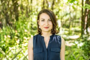 Je m'appelle Caroline Lepinteur. Je suis praticienne en naturopathie et en massages bien-être. Vous pouvez me consulter dans mon cabinet à Albi ou par Skype.