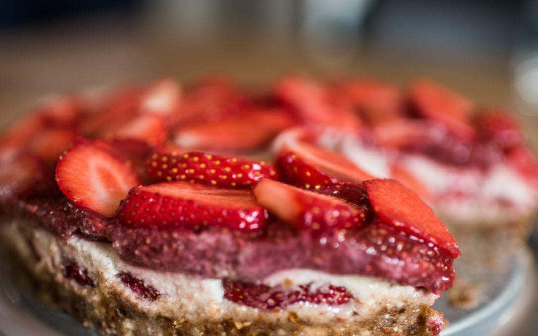 Recette printanière : Cheesecake cru aux fraises